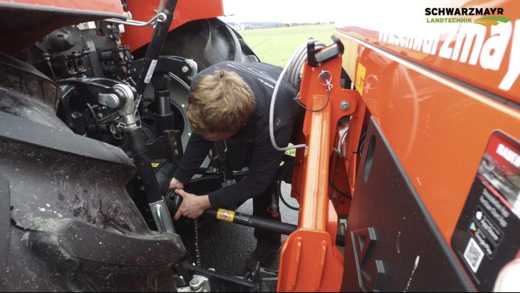 Düngerstreuer Rauch Axis – Anhängen an den Traktor